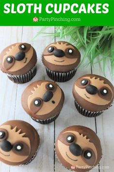 sloth cupcakes adorable cute sloths sloth cake cookie best sloth cupcake recipe fun food for kids sweet treats sloth party ideas sloth cake recipe Fondant Cupcakes, Cute Cupcakes, Cupcake Cakes, Cupcake Party, Cupcake Toppers, Cupcakes Kids, Valentine Cupcakes, Rose Cupcake, Fun Cookies