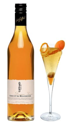 """Cocktail """"Roussillon Bubble"""" from the Giffard Cocktail Book N°1"""