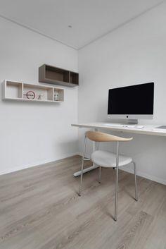 [허스크] 용강동 마포리버파크 25평 아파트 인테리어 : 네이버 블로그 Office Desk, Corner Desk, Interior, Furniture, Home Decor, House, Corner Table, Desk Office, Decoration Home