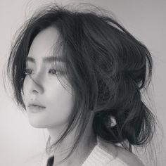 #해외축구중계사이트 #해외축구중계 홍수주 - 므훗 - 올티비다 Girl Korea, Hair Reference, Drawing Reference, Ulzzang Korean Girl, My Beauty, Beauty Girls, Girl Photography, Fashion Beauty, Asian Fashion