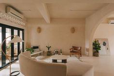 Share Studio Interior, Interior Design Living Room, Modern Interior, Walk Up Apartment, Cosy Corner, Design Your Dream House, Old Kitchen, Concept Home, Small Rooms