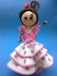 muñeca traje de flamenca  goma eva,porex,acrilicos termoformado Hobbies And Crafts, Diy And Crafts, Crafts For Kids, Fondant Figures Tutorial, Doll Tutorial, Novelty Cakes, Pasta Flexible, All Craft, Clay Dolls