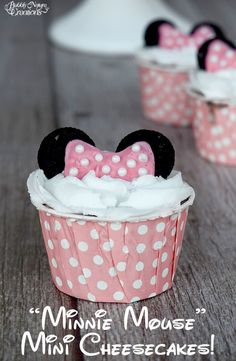 Mini Mouse Mini Cheesecakes with Minnie Mouse Ears! 2 Year Old Birthday Party Girl, 3rd Birthday, Birthday Ideas, Raspberry Uses, Mini Oreo, Mini Mouse, My Dessert, Mini Cheesecakes, Baking Cups