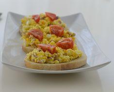 Tartine cu salata de oua Fried Rice, Fries, Low Carb, Health, Ethnic Recipes, Salads, Health Care, Nasi Goreng, Stir Fry Rice