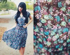 Vintage 1970s Blue Floral Print Pleated by AppleBranchesVintage, $34.00