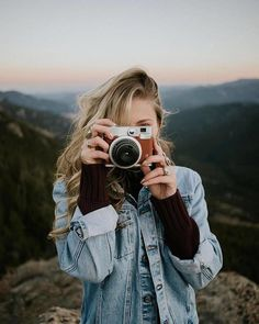 Tumblr Girl Photography, Photography Jobs, Portrait Photography, Camera Photography, Product Photography, Fujifilm Instax, Hipster Indie, Girls With Cameras, Poses Photo