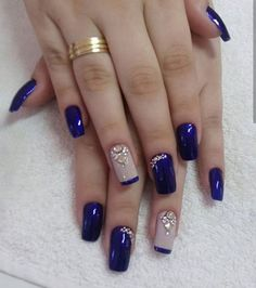 Fancy nails, pretty nails, creative nails, blue and silver nails, cobalt blue Blue And Silver Nails, Blue Nails, Manicure And Pedicure, Gel Nails, Nail Polish, Manicure Ideas, New Nail Designs, Acrylic Nail Designs, Acrylic Art