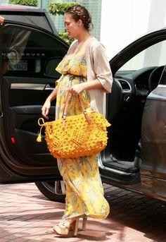 jessica alba pregnant style..