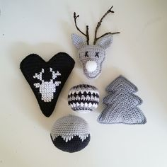 De Tante van Toon: Oh deer.. there's Rudolph! *PATROON* Crochet Christmas Ornaments, Holiday Crochet, Christmas Sewing, Christmas Toys, Christmas Knitting, Chat Crochet, Crochet Diy, Modern Crochet, Crochet Home