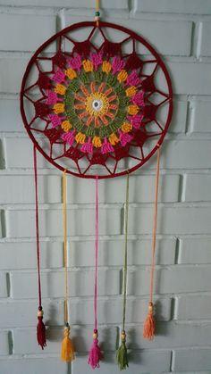 Crochet Home Decor, Diy Crochet, Baby Knitting Patterns, Crochet Patterns, Diy Jewelry Gifts, Crochet Dreamcatcher, Crochet Wall Hangings, Crochet Pillow Pattern, Diy Friendship Bracelets Patterns