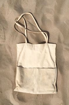 Sensual Delight in white sun sand sea and some wind, natural vegtanned eco-leath… Sensual Delight in white sun sand sea and some wind, natural vegtanned eco-leather tote bag Hobo Purses, Jean Purses, Diy Sac, Linen Bag, Fabric Bags, Cotton Bag, Mode Outfits, Cloth Bags, Leather Handbags