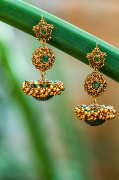Ready to shop blouses Gold Jhumka Earrings, Indian Jewelry Earrings, Jewelry Design Earrings, Gold Earrings Designs, Gold Jewellery Design, Antique Jewellery Designs, Antique Jewelry, Gold Jewelry Simple, Silver Jewelry