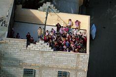 YannArthusBertrand2.org - Fond d écran gratuit à télécharger || Download free wallpaper - École à Ghardaïa, Algérie (32°31' N – 3°37' E). Photo Wall, Free, Wallpaper, Painting, Country, Home Decor, Travel, Photograph, Decoration Home