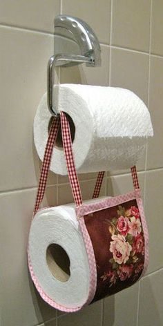 #DIY - Cute Idea for Displaying a Spare Roll of Toilet Paper