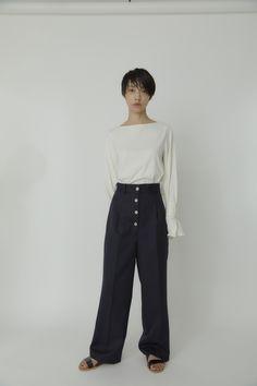 東京のストリートから生まれる自由な発想をベースした東京ブランドのCINOH(チノ) Front Button, Normcore, Buttons, Pants, Shopping, Style, Fashion, Trouser Pants, Swag