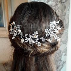 Check out this item in my Etsy shop https://www.etsy.com/listing/577514373/bridal-headpiece-babys-breath-hair-piece
