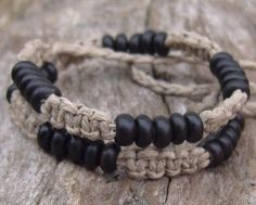 Macrame Natural Hemp Choker with Black Horn Beads ✿Teresa Restegui http://www.pinterest.com/teretegui/✿