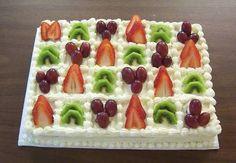Resultado de imagem para fruit cake decoration