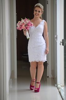 Search results for Vestido, You can collect images you discovered organize them, add your own ideas to your collections and share with other people. Elegant White Dress, Courthouse Wedding Dress, Civil Wedding, Dress Collection, African Fashion, Bridal Dresses, Marie, Lace Dress, Short Dresses