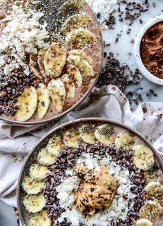 double chocolate peanut butter smoothie bowls I howsweeteats.com