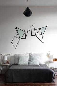 chambre avec déco murale moderne en washi tape