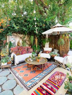 Maybe you would like to upgrade the complete back yard, or perhaps only the patio area. Your patio garden requires a floor finish. With many patio furniture alternatives to pick from you can readily make an outdoor space that is going to be well utilized. Outdoor Rooms, Outdoor Fun, Outdoor Living, Outdoor Decor, Outdoor Patio Rugs, Rustic Outdoor Spaces, Wood Patio, Outdoor Kitchens, Patio Table