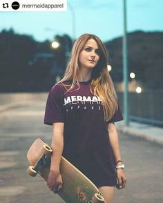 "Roads are calling   #outdoors #skatelife #skatergirl #mermaid  #cruiser  #Repost @mermaidapparel  ""ORIGINAL"" on stock.  Si la compras con la ""BE WHAT YOU ARE negra"" en web te costará 35 en vez de 43  Daaaammm!!!! Sólo hasta fin de verano! (O hasta que se nos acaben las existencias!)"