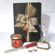 Alles Tomate Gift Wrapping, Gifts, Tomatoes, Ideas, Paper Wrapping, Wrapping Gifts, Gift Packaging, Favors, Presents