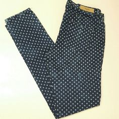 Trafaluc Zara Polka Dot Jeggings Stylish Zara jeggings with a distressed wash and an adorable polka dot print. NEW without tags, never worn. Really comfortable soft stretch material with a natural curvy shape. Zara Jeans Skinny