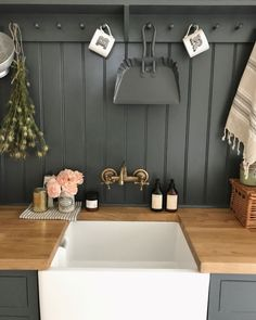 Rebecca's Down Pipe boot room adds a hint of luxury and depth as well as complementing the other colours in her home to create the perfect flow. Utility Room Sinks, Boot Room Utility, Utility Sink, Farrow Ball, Interior Design Living Room, Living Room Decor, Utility Room Designs, Sink Design, Kitchen Design