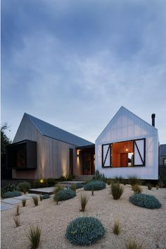 Seaview Avenue house by Melbourne architects Jackson Clement Burrows. via desiretoinspire