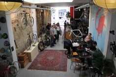 Lola Bikes & Coffee
