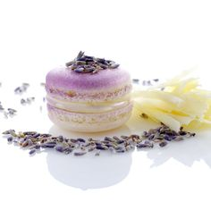 White Chocolate Lavender Macaroon - i want these for mother's day