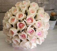Krem rengi ve pembe renklerde yapay gelin çiçeği modeli