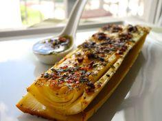 Palmito pupunha fresco assado com molho chimichurri, azeite, tomilho, pimenta do reino branca e flor de sal