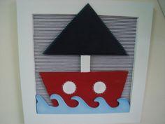 Quadrinho para quarto de bebê ou infantil com o tema marinheiro, fundo forrado com tecido e apliques em madeira