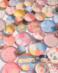 Ceramic Pottery, Pottery Art, Ceramic Art, Pottery Bowls, Pastel Room, Pastel Decor, Keramik Design, Plakat Design, Clay Art Projects