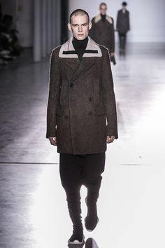 Rick Owens Menswear Fall Winter 2015 Collection Fashion Show in Paris