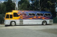 Old School Bus, School Buses, Beth The Bounty Hunter, Service Bus, Motorhome Travels, Converted Bus, New Bus, Cool Vans, Party Bus