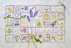 Just discovered 'Inchies' and love them! Embroidery Sampler, Embroidery Applique, Cross Stitch Embroidery, Embroidery Patterns, Simple Embroidery, Vintage Embroidery, Fabric Journals, Embroidery Techniques, Needlework