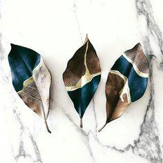 "743 Likes, 4 Comments - Design + Magazine (@designplusmag) on Instagram: ""Hand painted leaves by Samantha Dion Baker ➡@sdionbakerdesign  #leaves #leaf #creatividad #creative…"""