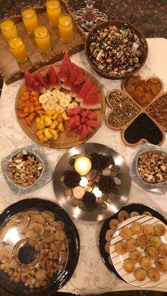 Applis Photo, Fake Photo, Sleepover Food, Snap Food, Pub Food, Food Snapchat, Food Cravings, Sweet Recipes, Ramadan