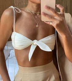 Beige blazer and trousers with white front tie bandeau #chic #summerstyle #ootd Mode Outfits, Trendy Outfits, Fashion Outfits, Womens Fashion, Fashion Tips, Fashion Quiz, Fashion Quotes, Spring Outfits, Travel Outfits
