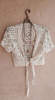 Beach Bohemian Crochet Tie crop top romantic gypsy by BohoAngels Pull Crochet, Gilet Crochet, Crochet Jacket, Crochet Blouse, Love Crochet, Knit Crochet, Crochet Tops, Tie Crop Top, Crop Tops