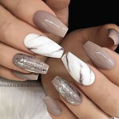 Neutral nails with foil and marble