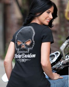 HN33-H40K - Harley-Davidson® Womens Willie G Skull and Chain Passion Black Short Sleeve T-Shirt - Barnett Harley-Davidson®