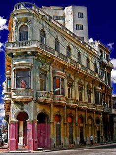 ✮ Flatiron building - Havana, Cuba