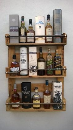 Whisky Rack Shelf Upcycled Pallet \/ Crate Handmade Vintage Shabby Chic Kitchen in Home Furniture & DIY Cookware Dining & Bar Bar & Wine Accessories Cocina Shabby Chic, Shabby Chic Kitchen, Vintage Shabby Chic, Shabby Chic Homes, Shabby Chic Decor, Kitchen Decor, Kitchen Rack, Diy Kitchen, Vintage Bar