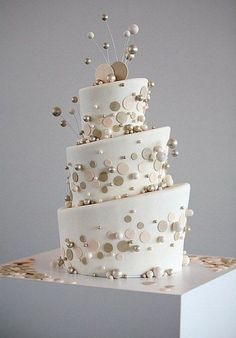 60 Whimsical Wedding Cakes To Get Inspired Hey, loves! I haven't spoilt you with cute wedding cakes for a long time, and now it's the time! Today I've prepared super whimsy wedding… Gorgeous Cakes, Pretty Cakes, Amazing Cakes, Whimsical Wedding Cakes, White Wedding Cakes, Gold Wedding, Camo Wedding, Wedding White, Trendy Wedding