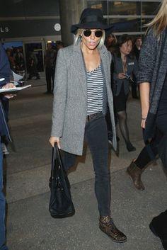 Sienna Miller Photos - Sienna Miller Touches Down At LAX - Zimbio